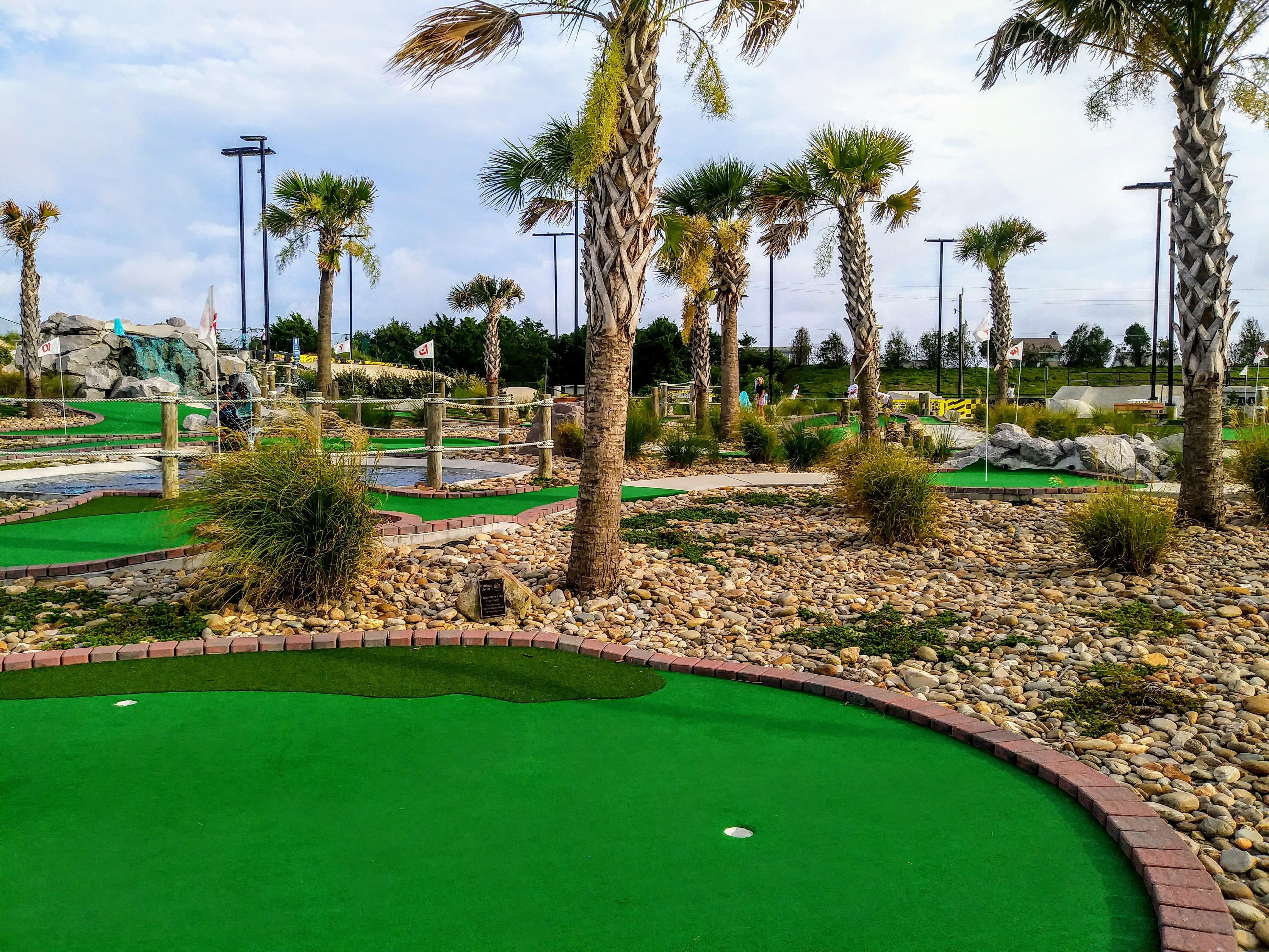 Putt Mini Golf In Atlantic Beach Nc Town Park